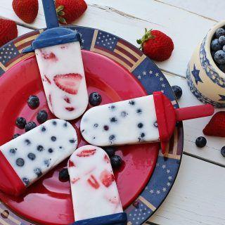 gelato stecco yogurt e lamponi